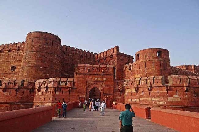 Historical Places Agra Fort History in Hindi
