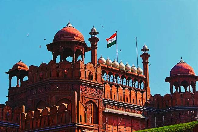 Historical Places Red Fort History in Hindi